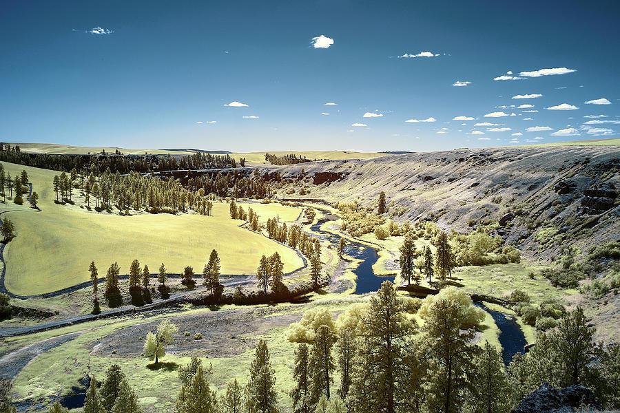 Valley in Hidden Palouse by Jon Glaser
