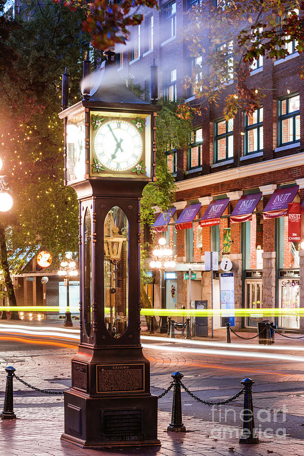 Vancouver steam clock by Matteo Colombo