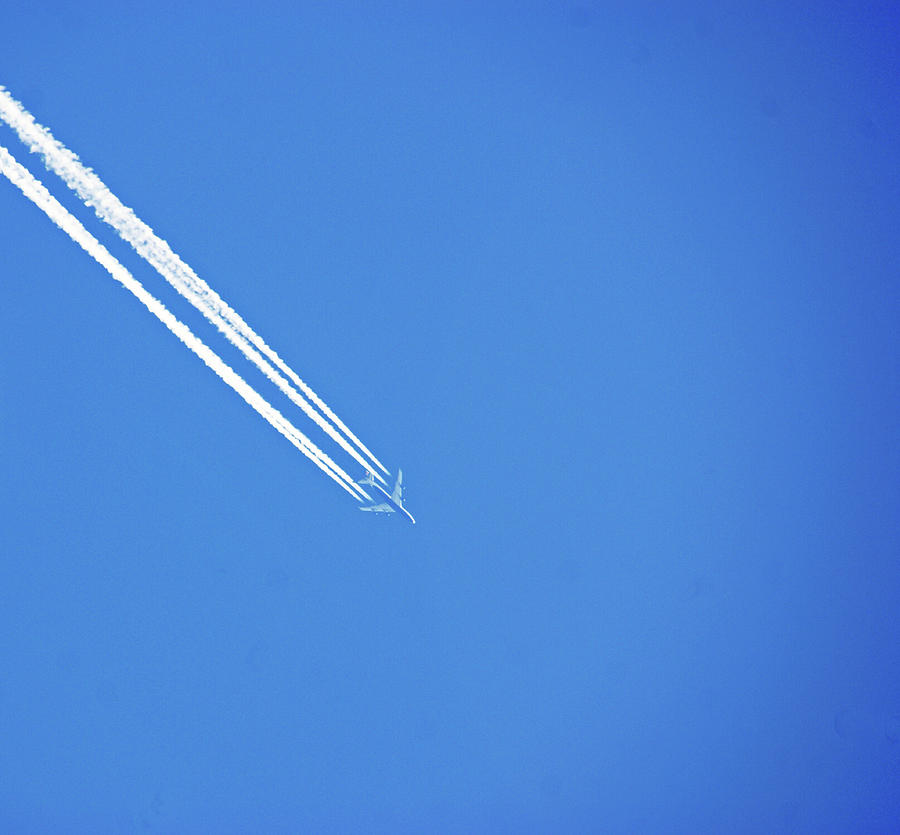 Vapour Trails On High by Lachlan Main