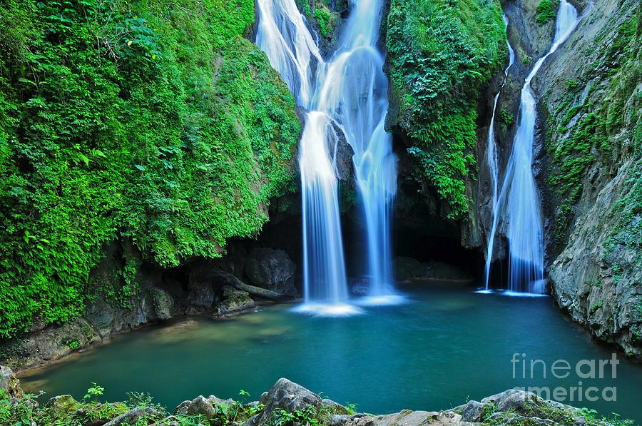 Sierra Photograph - Vegas Grande Waterfall In Topes De by Richard Cavalleri