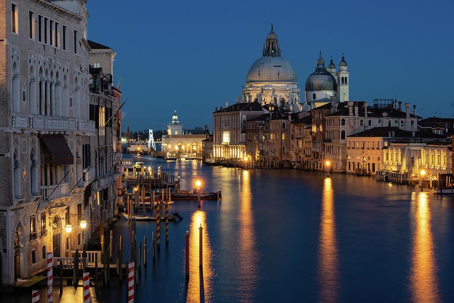 Venice by night by Susan Leonard
