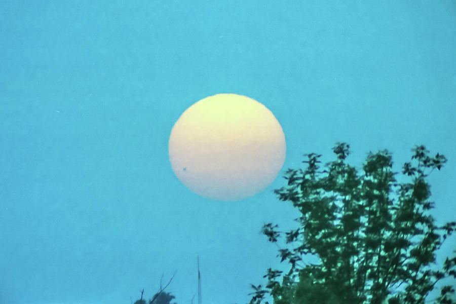 Venus Transit June 8, 2004 by Lon Dittrick