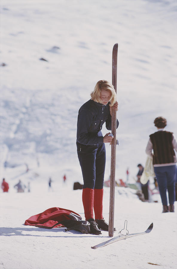 Verbier Skier Photograph by Slim Aarons