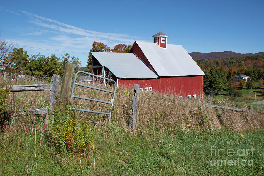 Vermont Barn by John Greco