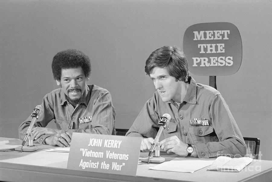 Veterans Hubbard And Kerry On Meet Photograph by Bettmann