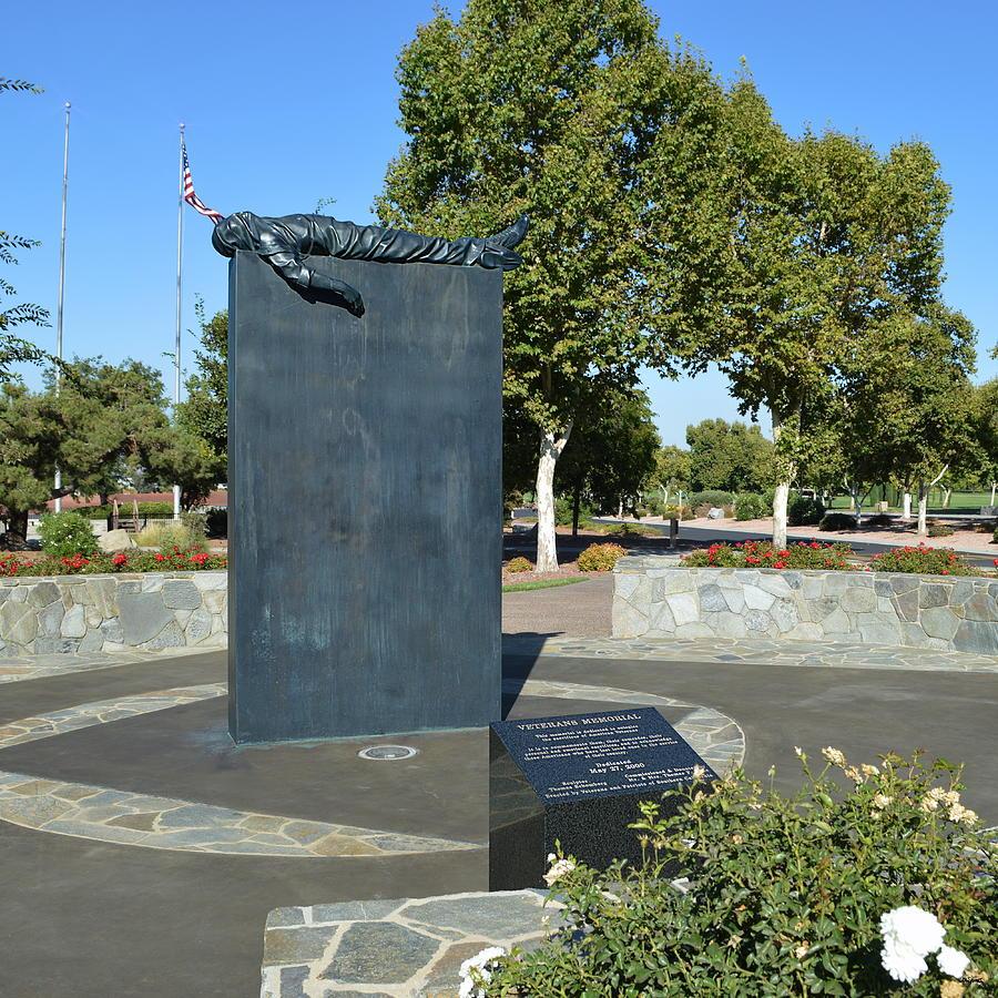Veterans Memorial - Riverside by Glenn McCarthy Art and Photography