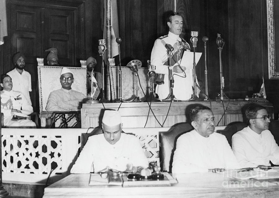 Viceroy Mountbatten Announcing Photograph by Bettmann
