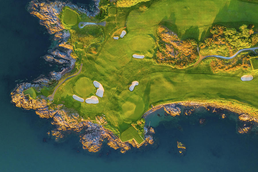 Victoria Golf Club from above by Mike Centioli