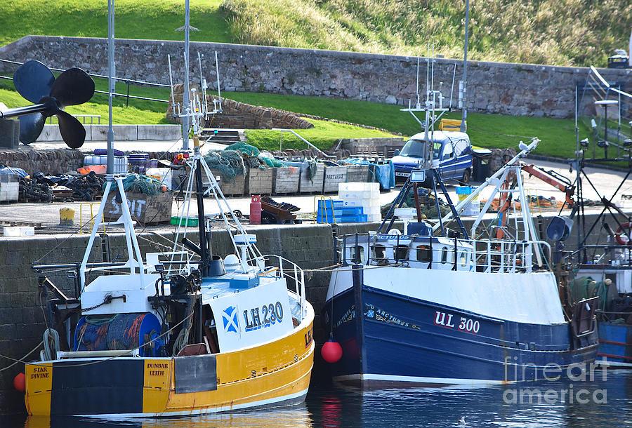 Victoria Harbour Dunbar by Yvonne Johnstone