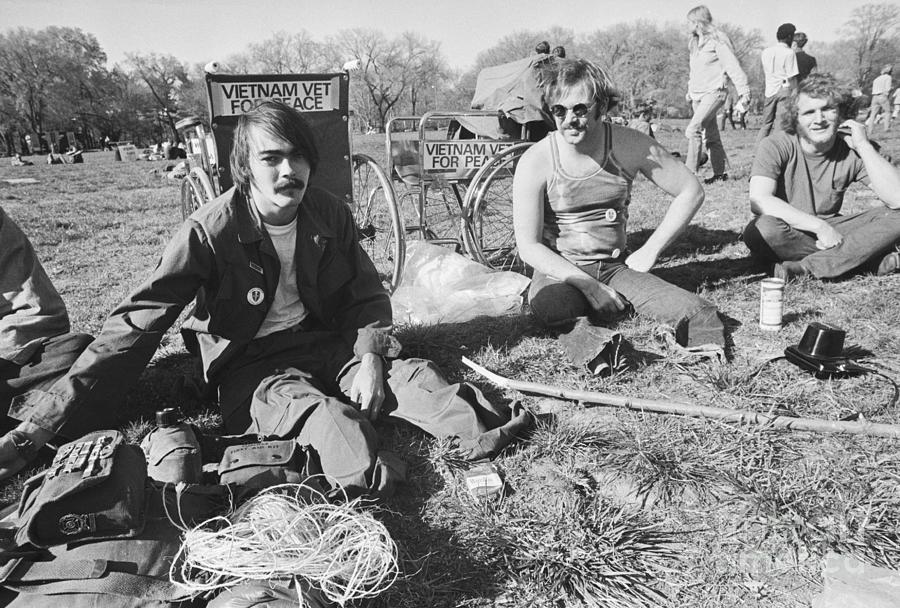 Vietnam Veterans Camp Out On East Photograph by Bettmann