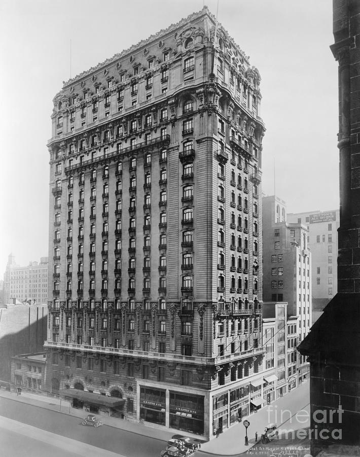 View Of St Regis Hotel In Nyc Photograph by Bettmann