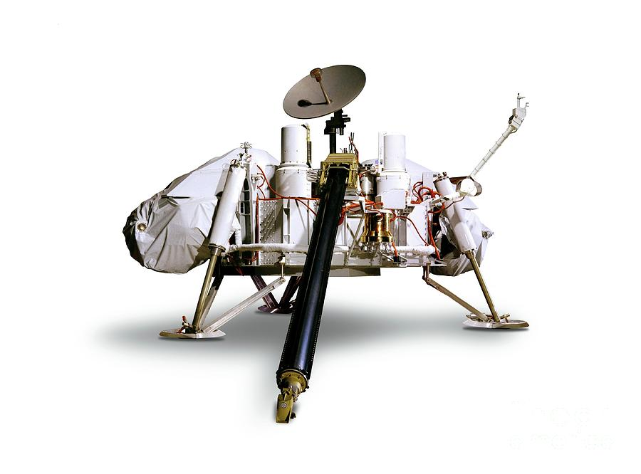 Spacecraft Photograph - Viking Lander Spacecraft by Detlev Van Ravenswaay/science Photo Library