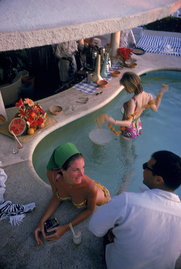 Villa Vera Pool Bar Photograph by Slim Aarons