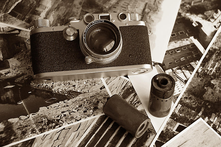 Vintage analogic camera by Luisa Vallon Fumi