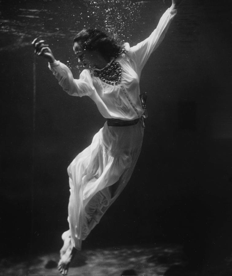 Vintage Fashion Photo Underwater Photography Art Antique Photograph  Beautiful Woman Black And White