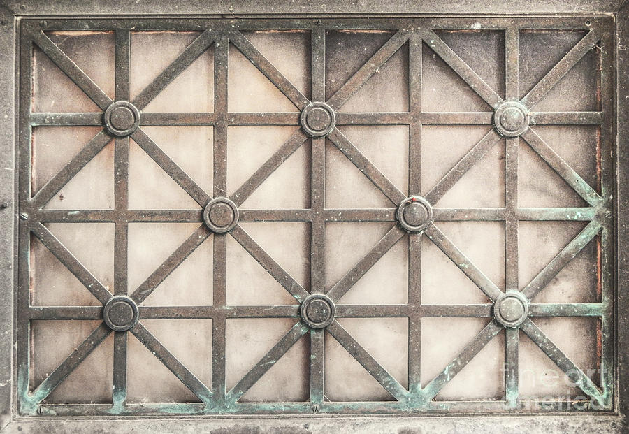 Grate Photograph - Vintage Grate by Phil Perkins