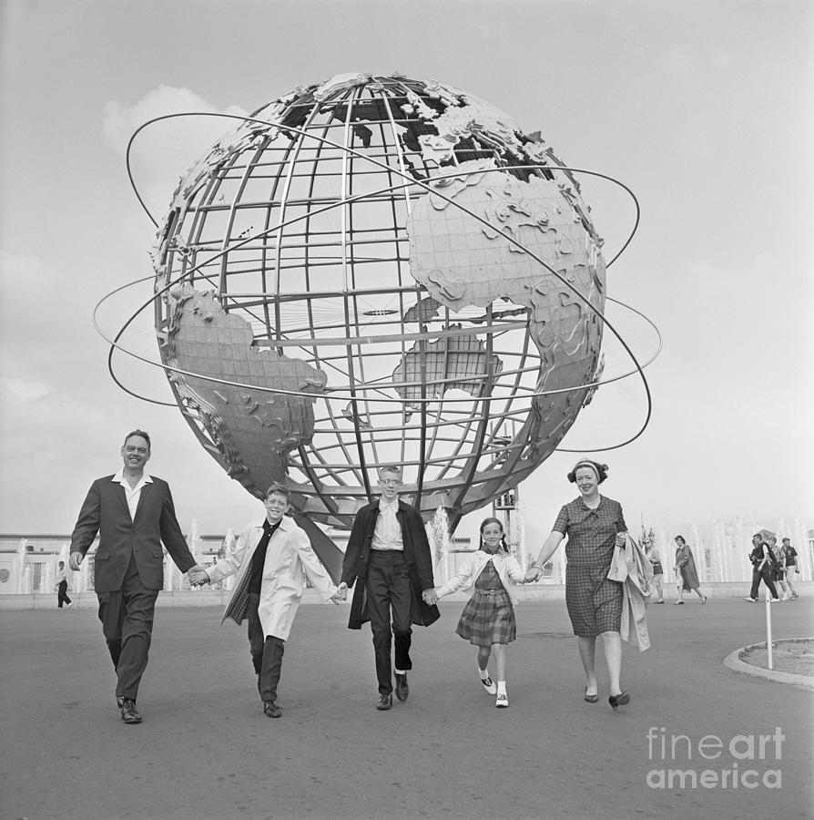 Visiting The Worlds Fair Photograph by Bettmann