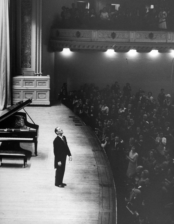 Vladimir Horowitz Photograph by Alfred Eisenstaedt