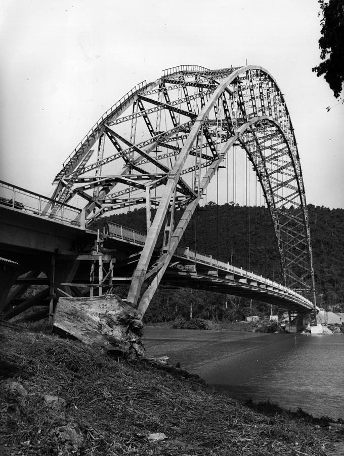 Finance Photograph - Volta Bridge by Central Press