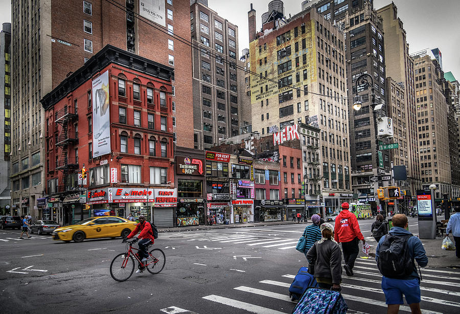 2019 Photograph - W 40th And 8th by Greg Mimbs