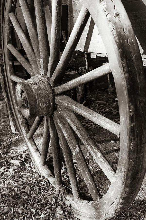 Wagon Wheel 3 by Michael Chatt