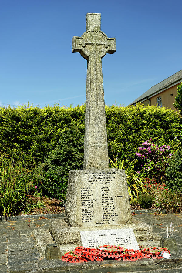 War Memorial, Delabole, Cornwall by Rod Johnson