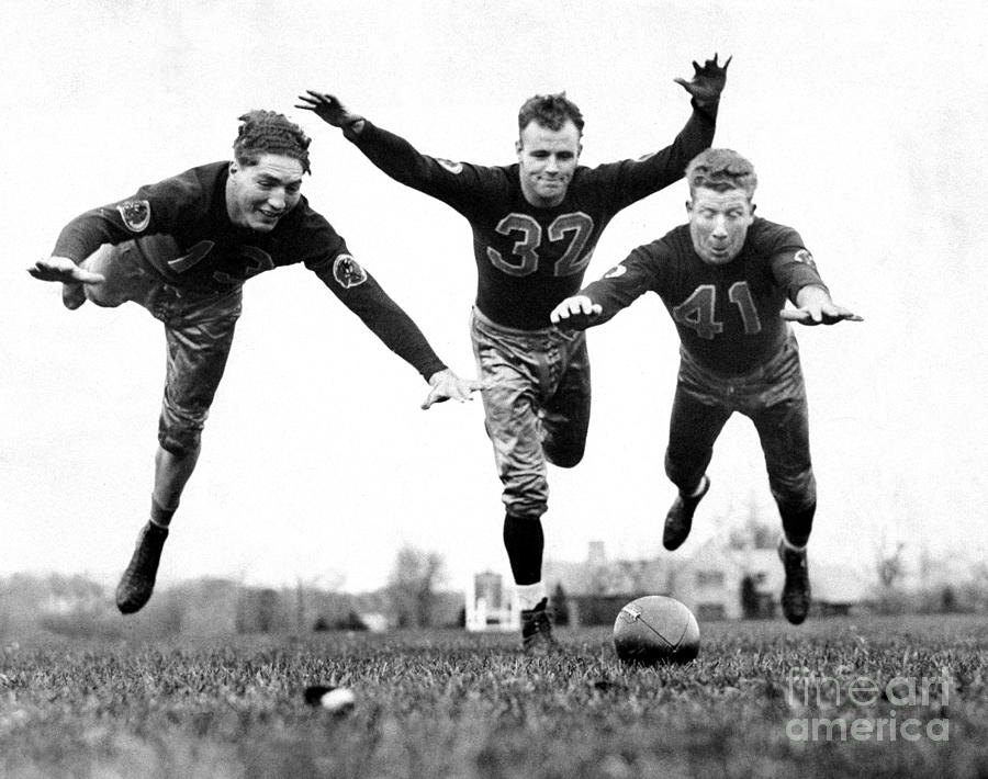 Washington Redskins Ed Justice, Bob Photograph by New York Daily News Archive