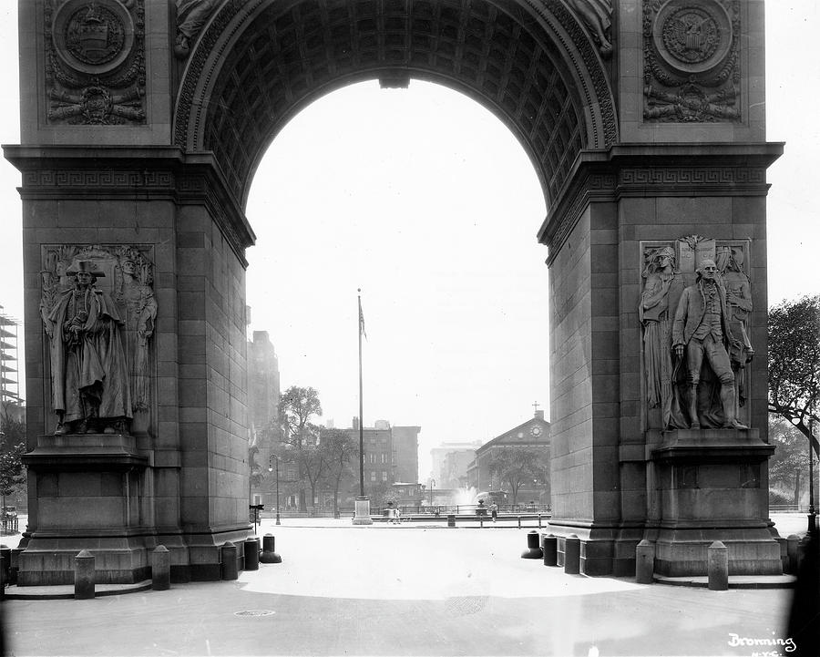 Washington Square Arch Facing South Photograph by The New York Historical Society