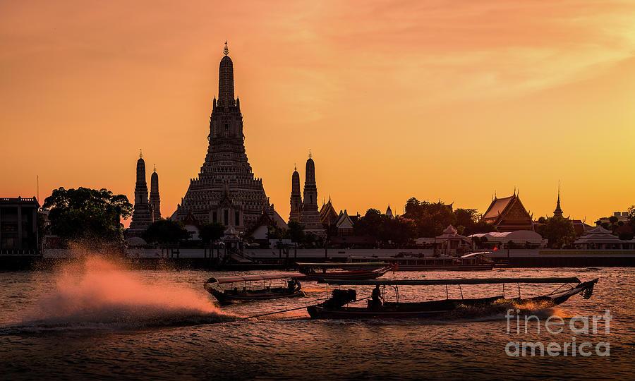 Wat Arun At Sunset, Bangkok, Thailand Photograph by Theerawat Kaiphanlert