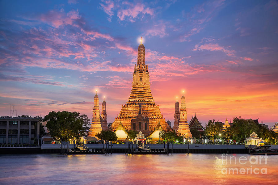 Dusk Photograph - Wat Arun Night View Temple In Bangkok by Anek.soowannaphoom