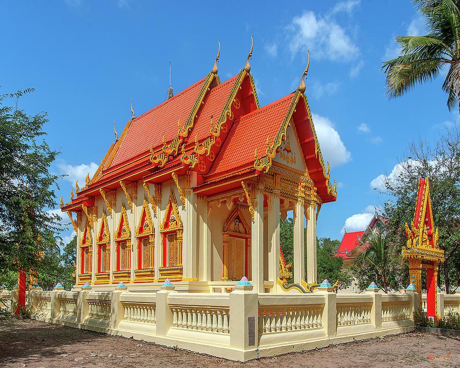 Wat Si Mueang Mai Phra Ubosot DTHU1028 by Gerry Gantt