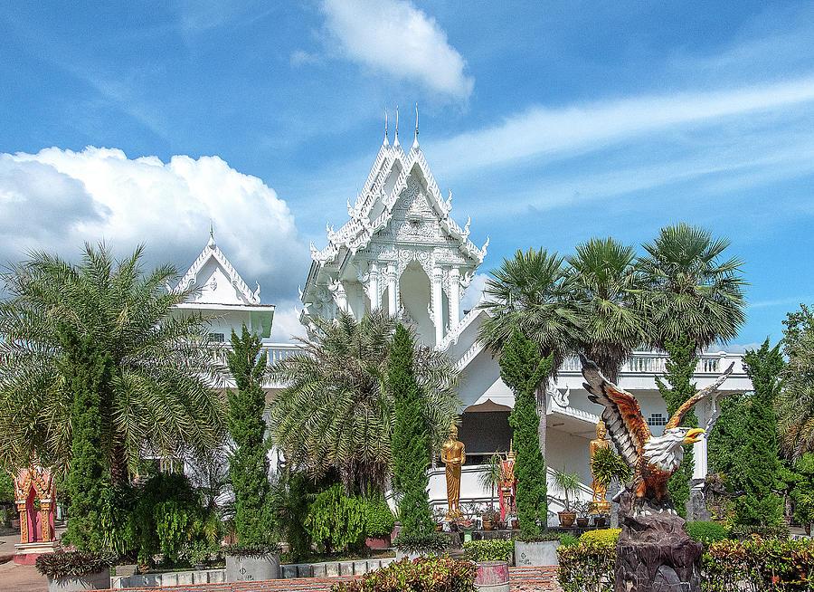 Wat Tham Khuha Sawan Phra Ubosot DTHU0923 by Gerry Gantt