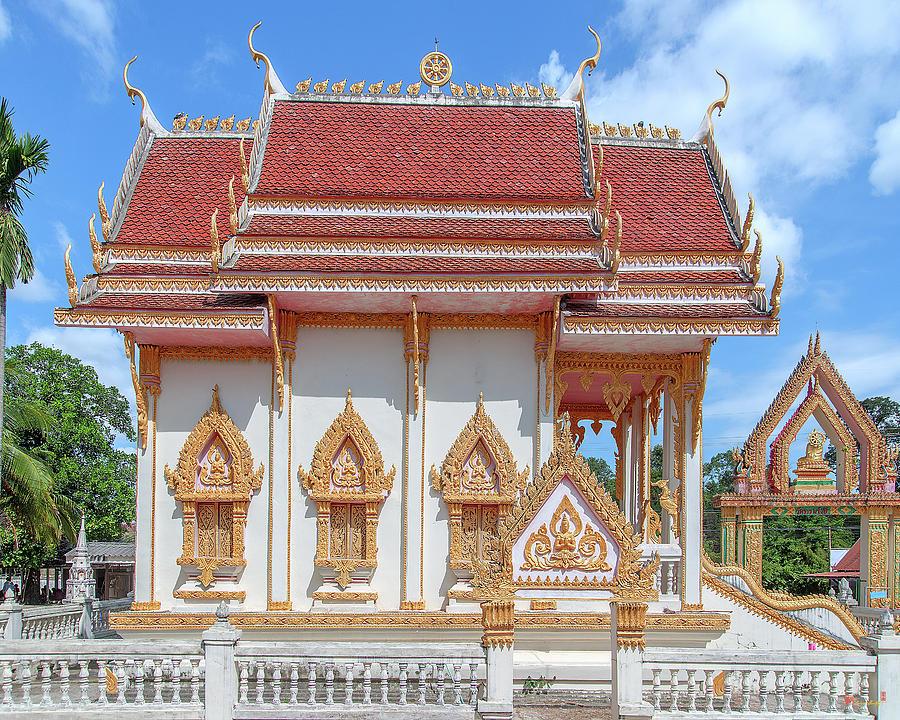 Wat Thammarangsee Phra Ubosot DTHU1013 by Gerry Gantt