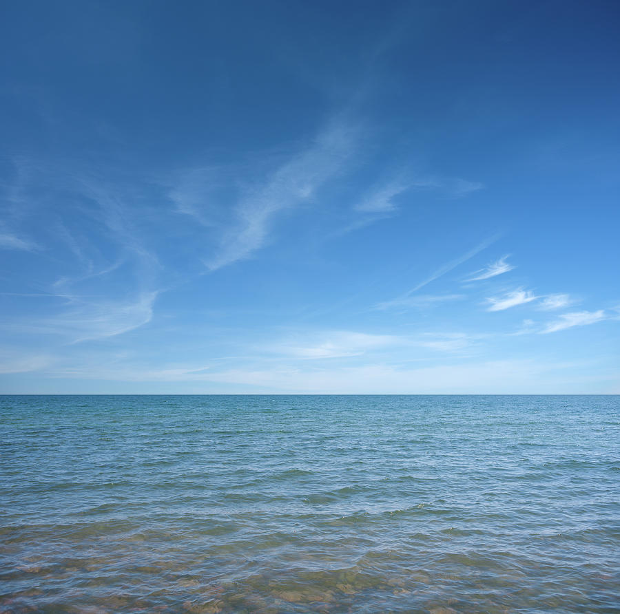 Water And Sky Photograph by Andrewjohnson