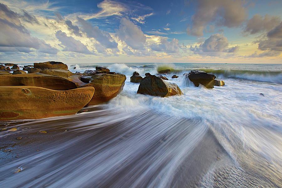 Waves Crashing On Rocks Photograph by Sunrise@dawn Photography