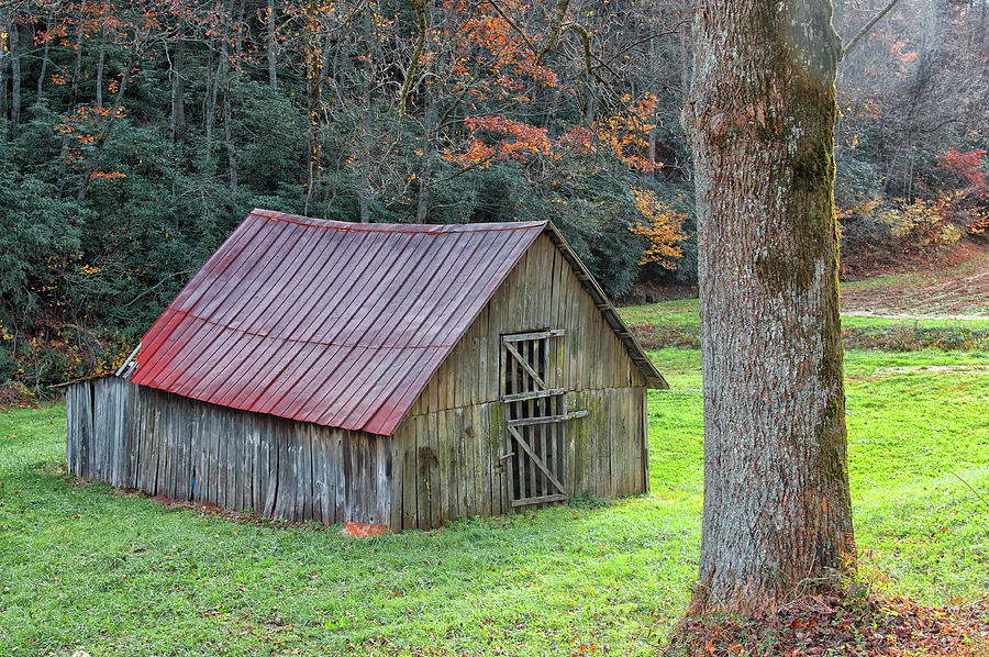Weathered Barn by Blaine Owens Photography