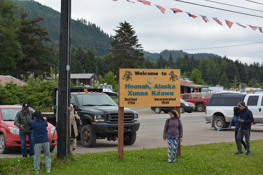 Alaska Photograph - Welcoming Sign by Joe Smiga