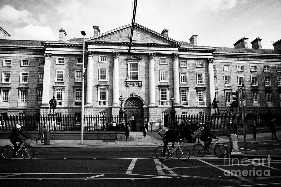 West Photograph - West Front Gate Of Trinity College Dublin University Dublin Republic Of Ireland Europe by Joe Fox