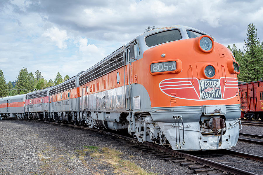 Freight Trains Photograph - Western Pacific 805A by Jim Thompson