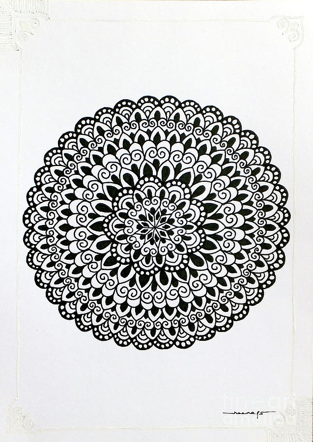 White Border Mini Mandala 4 by Kreativ Corner