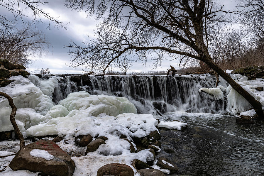 Whitnall Waterfall by Randy Scherkenbach