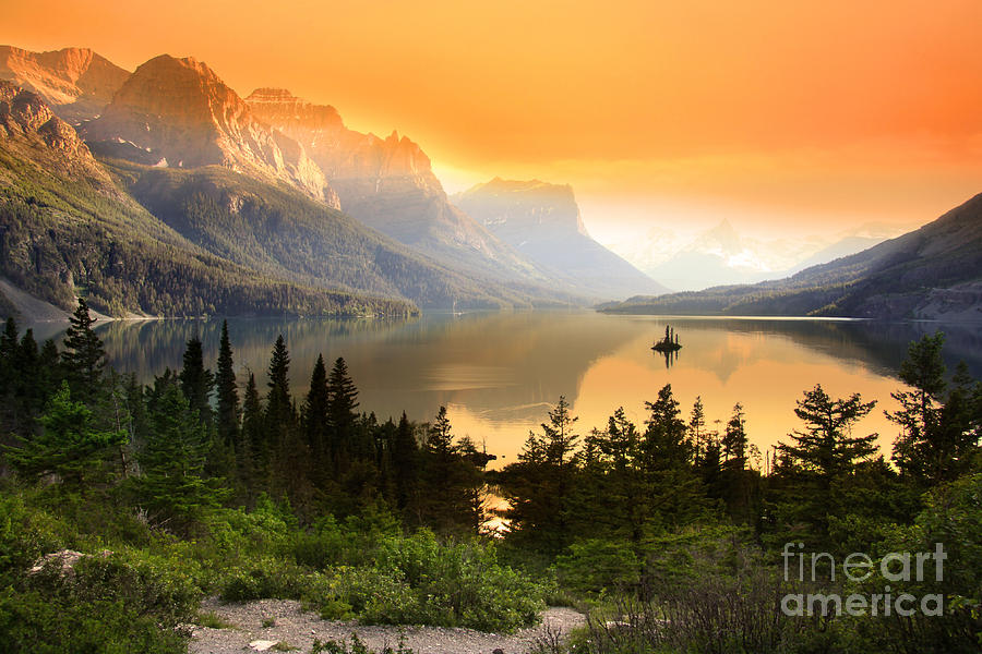 Mountains Photograph - Wild Goose Island In Glacier National by Snehit