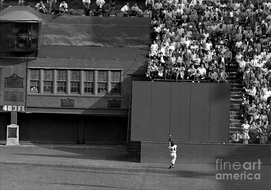 Willie Mays Makes His Famous Catch Off Photograph by New York Daily News Archive