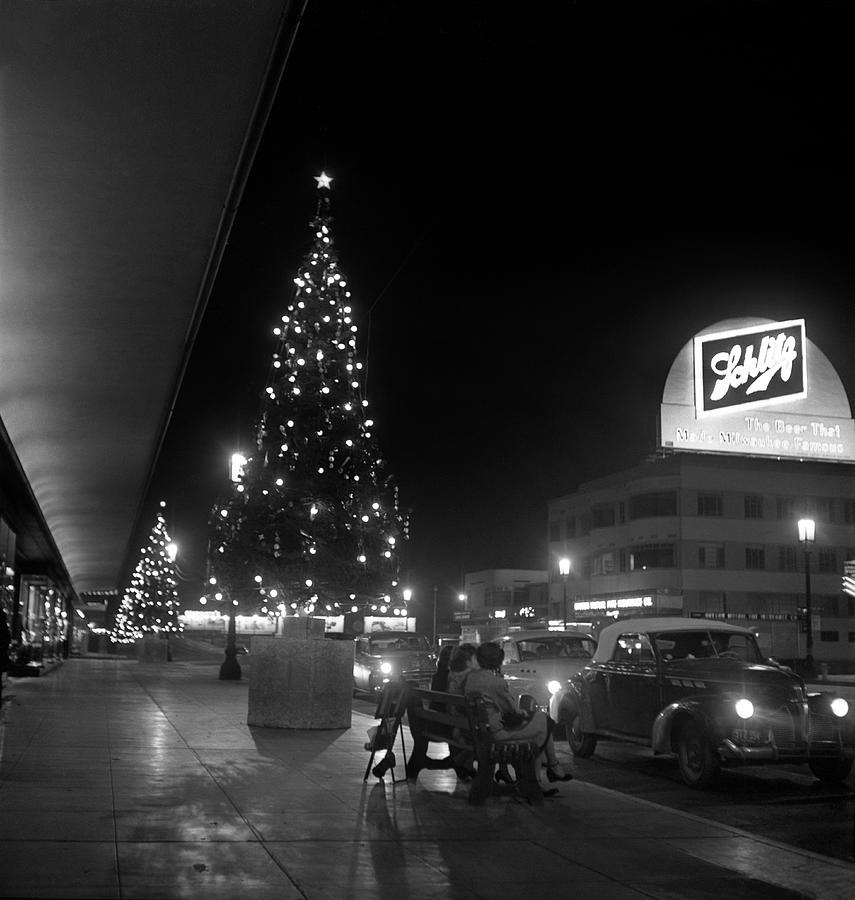 Wilshire Blvd At Christmas Photograph by Michael Ochs Archives
