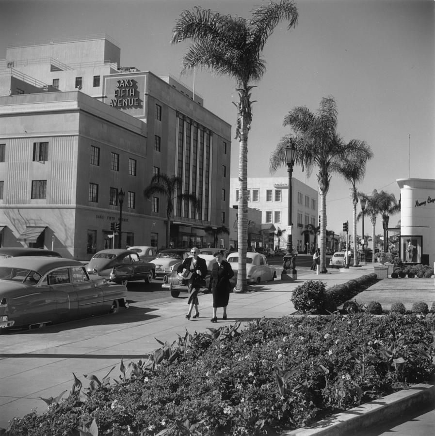 Wilshire Boulevard Photograph by Slim Aarons