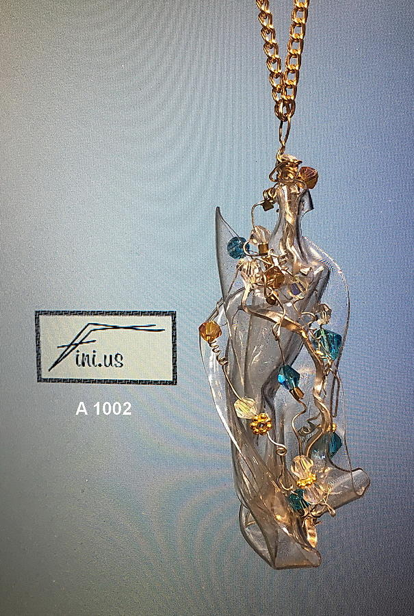 Wire Wrapped Pendant by Mary Russell
