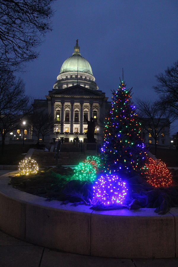Wisconsin Capitol Photograph - Wisconsin Capitol At Christmas by Callen Harty