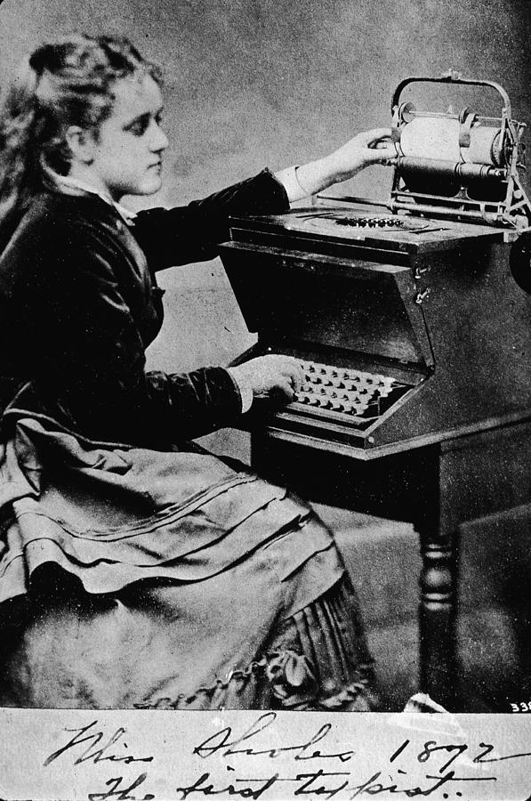 Woman At A Typewriter Photograph by Hulton Archive