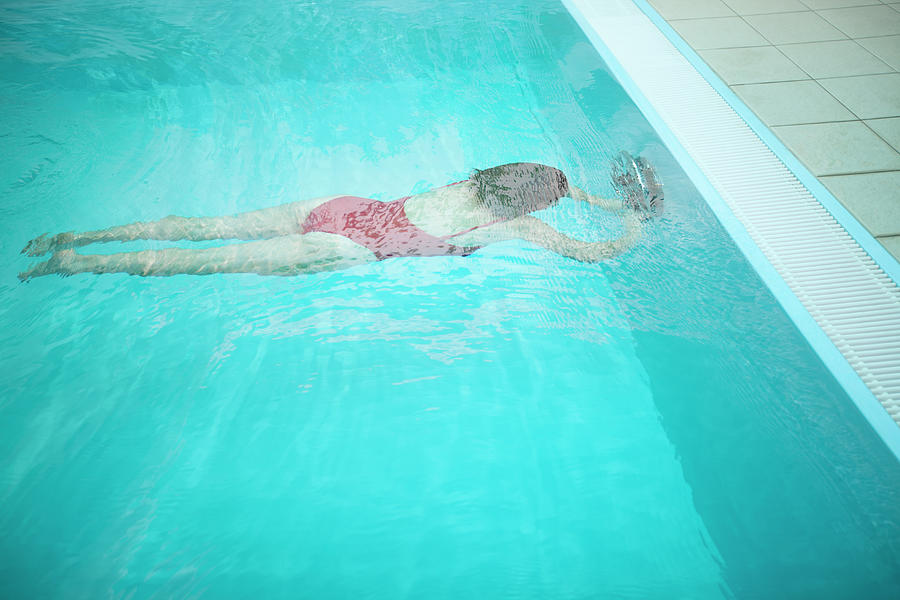 Woman Diving In Pool Photograph by Fred Froese