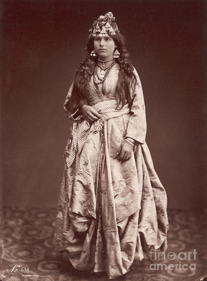 Woman Of Nazareth Photograph by Bettmann